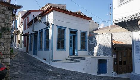 Παραδοσιακό καφενείο στο Ανω Βαθύ